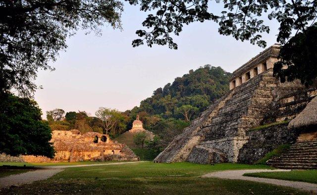 Exterior de una tumba Maya en Palenque
