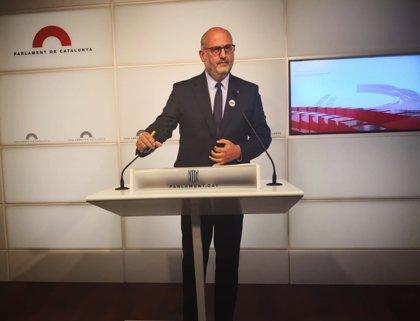 """JxCat acusa a Cs y PSC de querer cambiar las mayorías con """"golpes de Estado en despachos"""""""