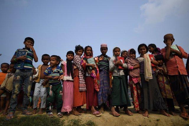Niños refugiados rohingya en Cox's Bazaar
