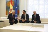 Foto: Borrell reitera el compromiso del Gobierno para garantizar los intereses de trabajadores transfronterizos tras Brexit