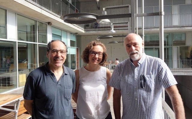 Los investigadores Jordi Alonso, María Jesús Blasco, Víctor Pérez