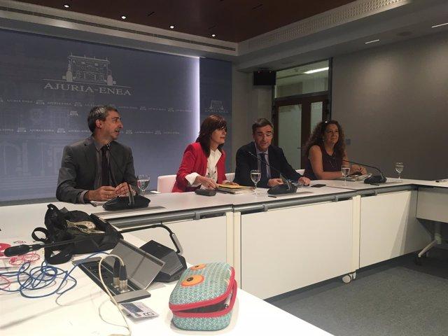 Rueda de prensa de lide amilibia y jonan fernadez  del gobierno vasco