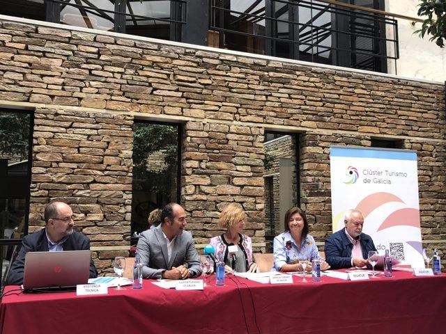 Presentación del catálogo de turismo rural para el otoño en Galicia