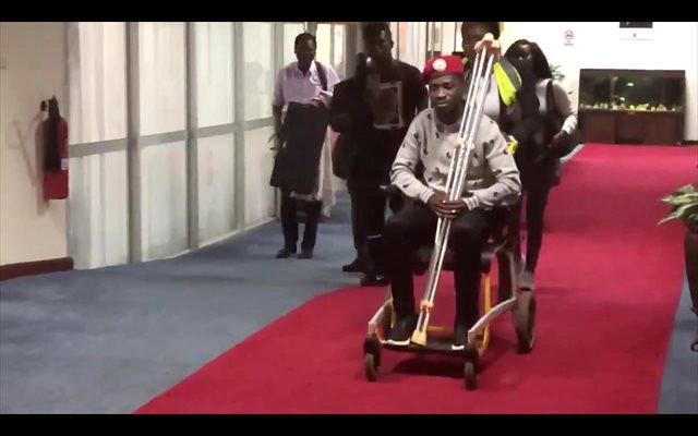Uganda prohíbe los actos de apoyo al opositor Bobi Wine de cara a su retorno