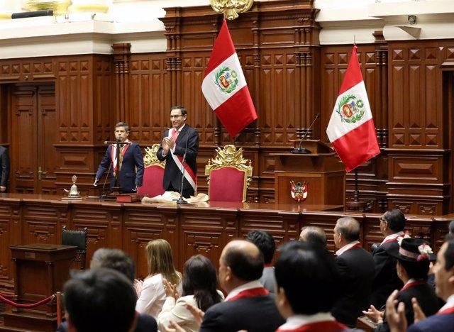 Martín Vizcarra durante su toma de posesión ante el Congreso