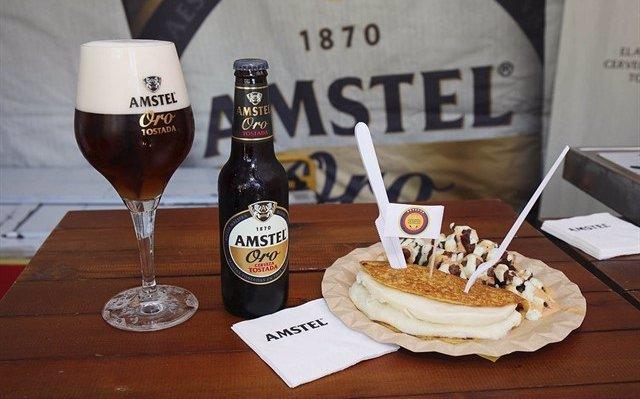 Una veintena de 'food trucks' valencianas compiten en el tercer Amstel Valencia Market