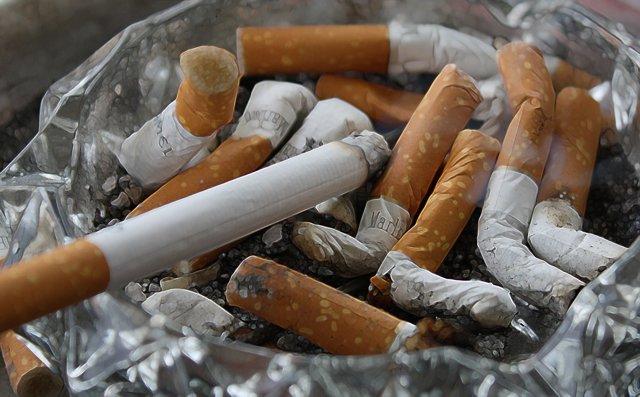 Cigarrilllos apagados.