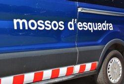 Arxiven la causa contra un mosso acusat de desobediència per la Guàrdia Civil l'1-O (@MOSSOS - Archivo)
