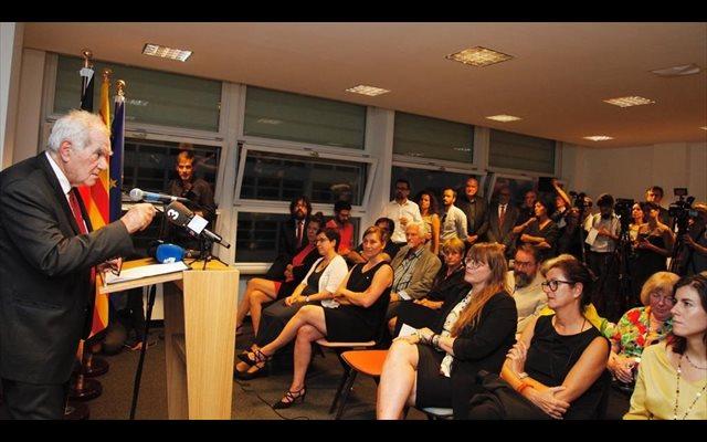 Maragall ve 'intimidación' en el recurso de Borrell a la reapertura de delegaciones