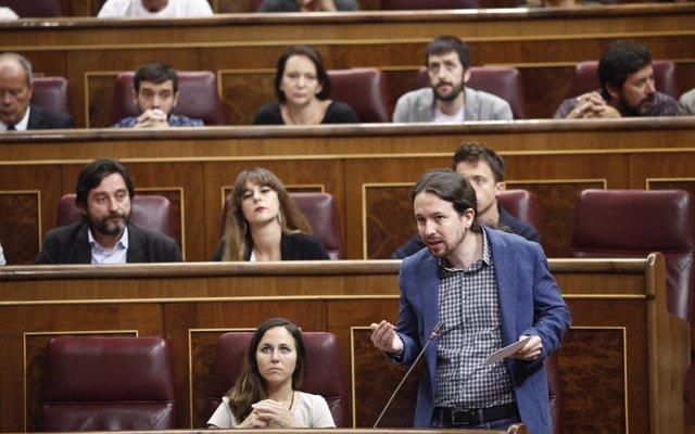 Iglesias ve 'bastante cutre' que el libro de Sánchez incluya párrafos copiados y sin citar y le pide explicaciones
