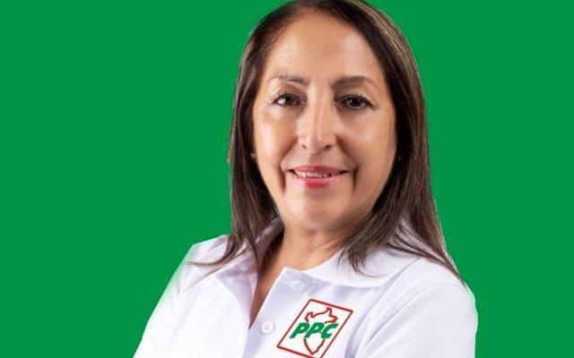 Una candidata a la Alcaldía de Comas (Perú) integra el #ThalíaChallenge en su campaña