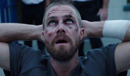 """Oliver sigue sumando enemigos en el tráiler de la 7ª temporada de Arrow: """"En la cárcel no hay héroes"""""""