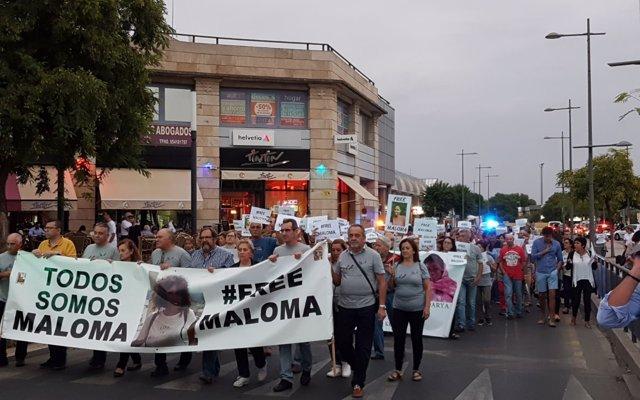 La familia adoptiva de Maloma avisa de una 'descarada maniobra política' y pide al Gobierno que actúe