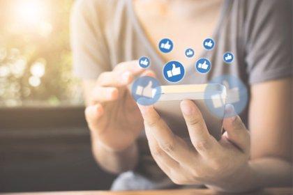 14 años, edad en la que los niños deberían acceder a redes sociales, según la mayoría de padres