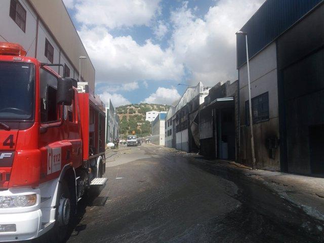 Naves afectadas por el incendio