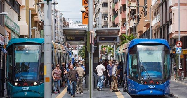 Los usuarios puntúan con un notable alto al tranvía de Tenerife