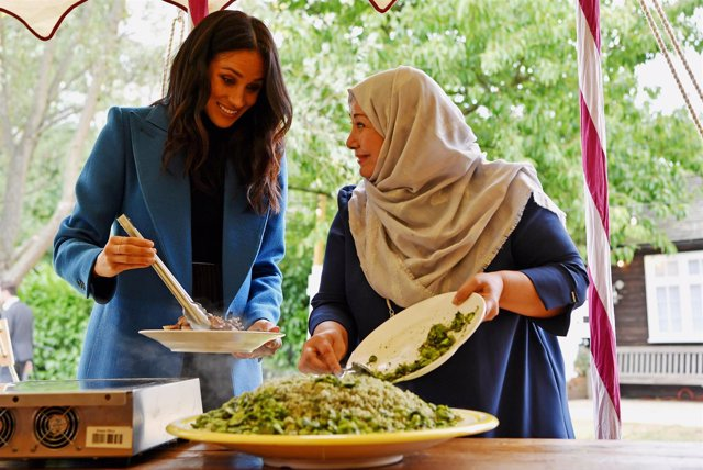 Meghan Markle sorprende cocinando en los jardines de Kensington con la compañía de su madre