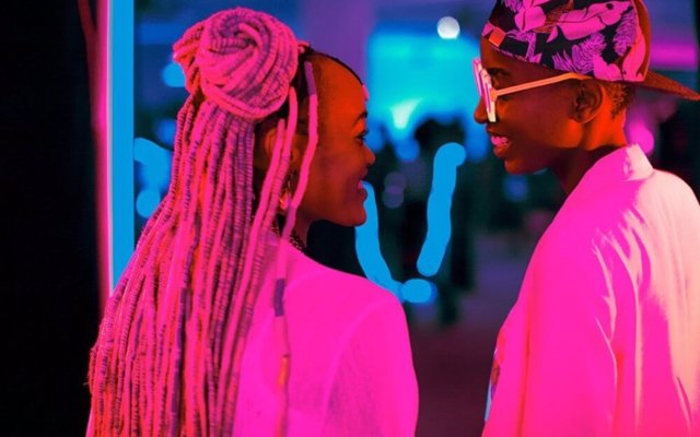 Una juez levanta la prohibición de la película keniana sobre dos lesbianas, allanando el camino a los Oscar