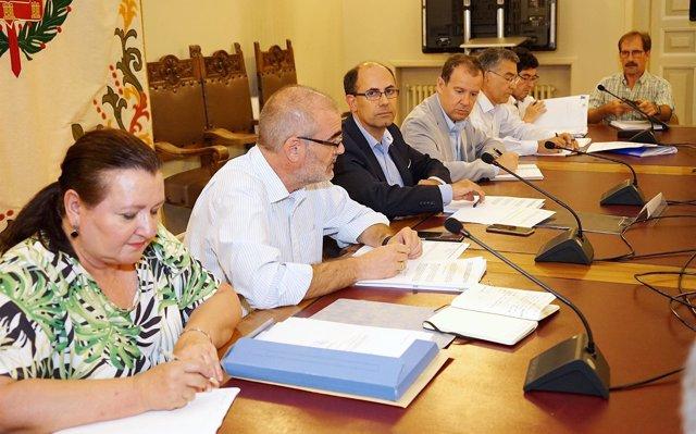 Auvasa aprueba la contratación del suministro de GNC para la flota municipal por casi 4 millones de euros
