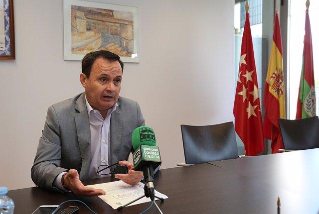 Alcalde de Coslada, Ángel Viveros
