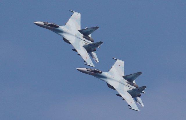 Aviones de combate Su-25 rusos en Riazán