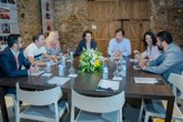 Foto: El presidente de la Junta de Extremadura y la ministra de Trabajo se reúnen con los agentes sociales y económicos