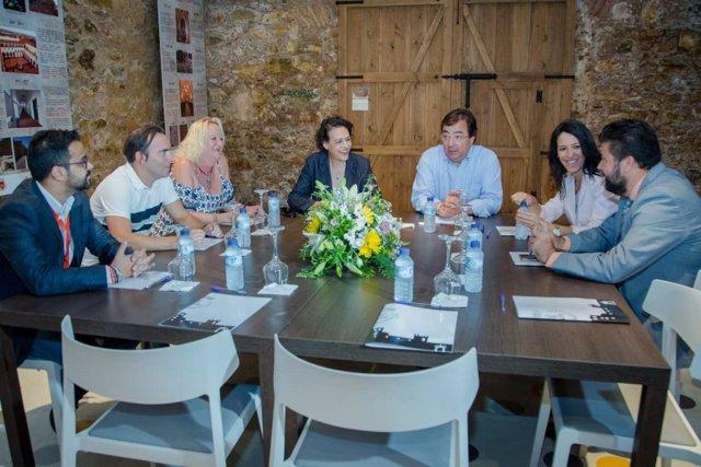 Vara y Valerio se reúnen con agentes sociales y económicos