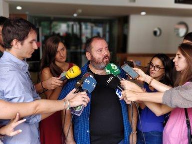 """Mena (CatComú): """"Barcelona no pot ser el refugi d'una carrera fracassada de Manuel Valls"""" (EUROPA PRESS)"""