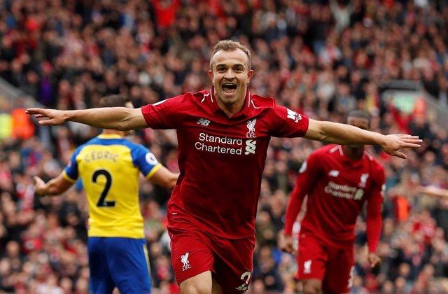 Xherdan Shaqiri celebra un gol con el Liverpool