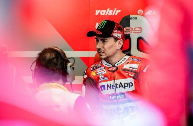 Lorenzo: 'Espero que Márquez me pida disculpas y que no me lo vuelva a hacer'