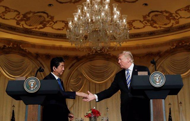 El primer ministro de Japón, Shinzo Abe, y el presidente de EEUU, Donald Trump.