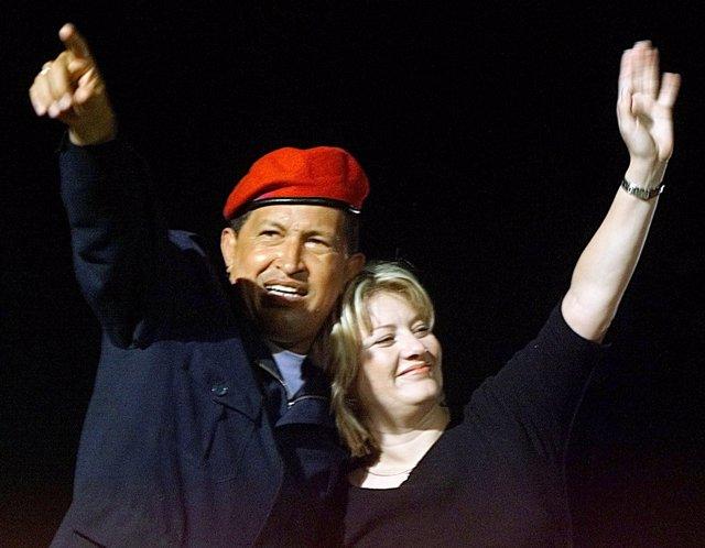 CHAVEZ Y SU MUJER MARIA ISABEL FERNANDEZ