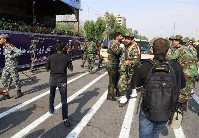 Atentado contra un desfile militar en Ahvaz