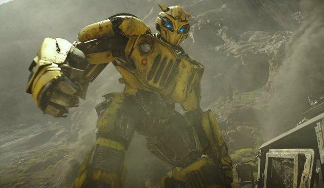 Bumblebee, el spin-off ochentero de Transformers, presenta su primer tráiler