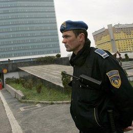 un policia en Bosnia