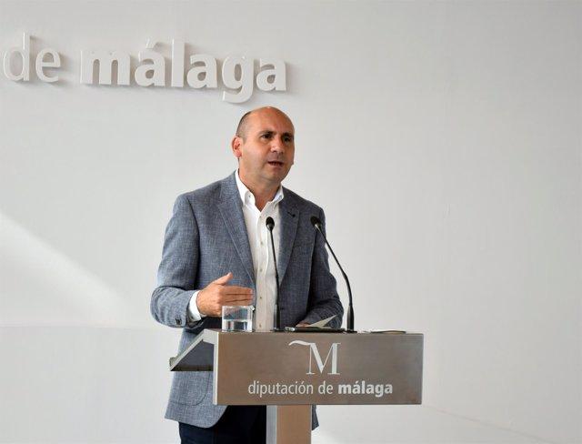 Francisco Conejo, portavoz del PSOE en Diputación en rueda de prensa