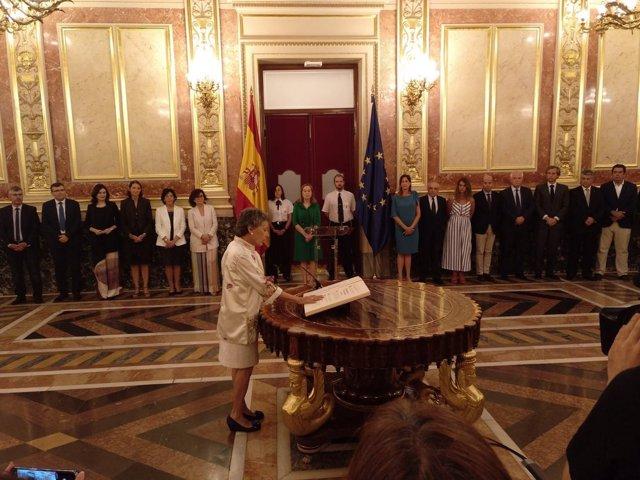 Rosa María Mateo promete su cargo como administradora de RTVE