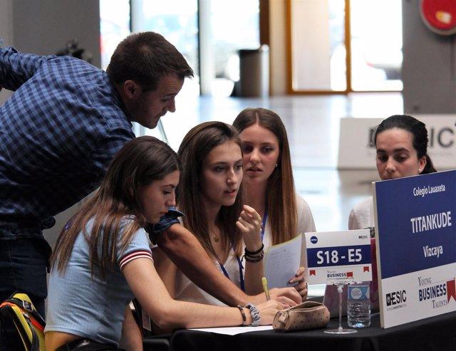 Participantes en el Young Business Talents