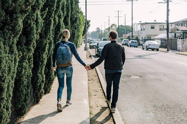 couple-1210023_1280