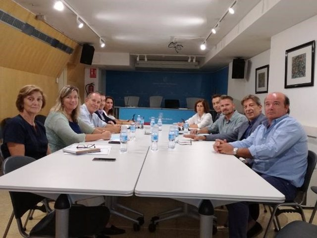 Salud y el Colegio Oficial de Farmacéuticos inician el procedimiento técnico para eliminar el copago a los pensionistas