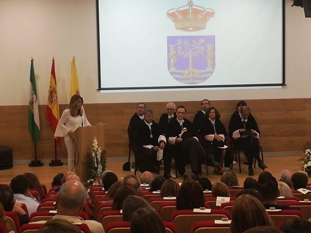 Susana Díaz inaugura el curso oficial en la Universidad