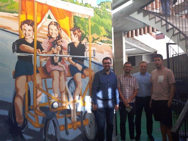 Noguera inaugura el mural del aparcamiento de Comptat del Rosselló