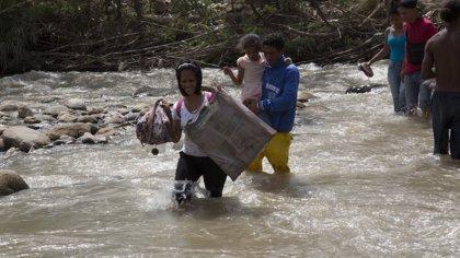 """Continúa el éxodo de venezolanos hacia Colombia: """"Nos estábamos muriendo de hambre"""""""