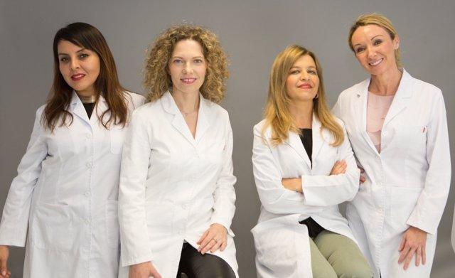 Las doctoras Mercedes Morillo y Amalia   Pérez Gil,   Hospital Quirónsalud