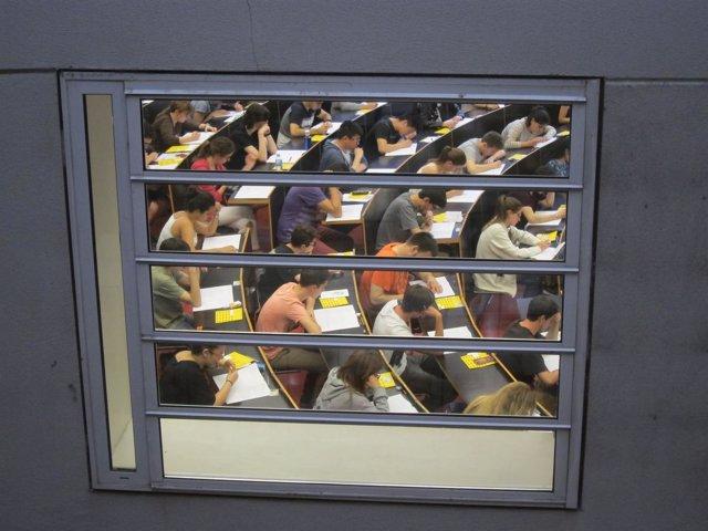 Examen de Selectividad en la universidad UPF de Barcelona