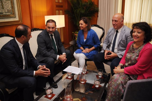 Ábalos, segundo por la izda., en su encuentro con Ambrosio, Ruiz y Valenzuela