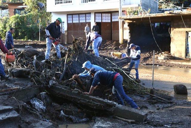 Desbordamiento de un río en Michoacán