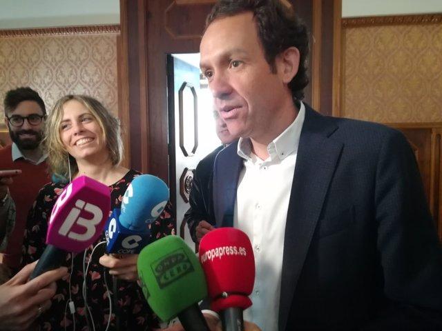 Pons dice que sólo optarán a una VPO de Santa Eulària los inscritos en la lista 'única' del Govern