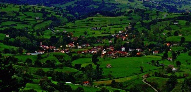 El pueblo de Esles en Santa María de Cayón