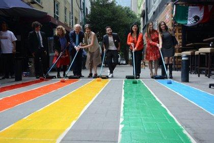 La bandera LGBTI sustituye a los pasos de cebra en Ciudad de México